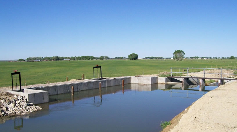 New diversion structure with self-cleaning moss screen, Eden Valley Irrigation District, Wyoming